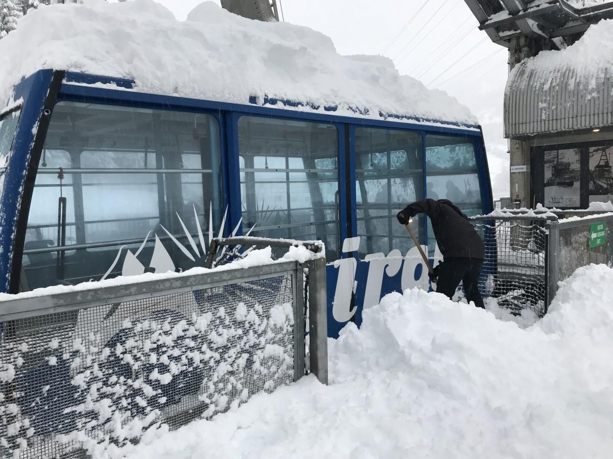 Vorzeitige Eröffnung der Bergbahnen Airolo-Pesciüm