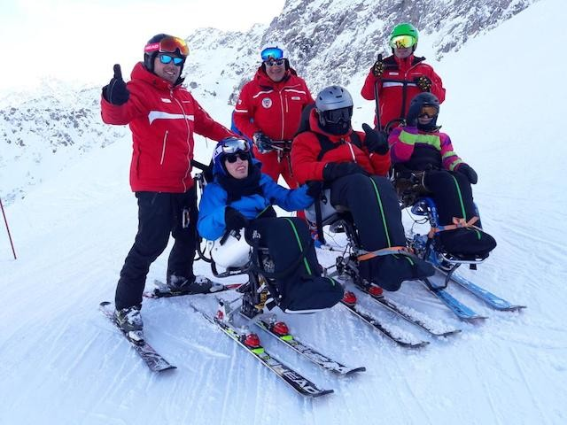 Two days of skiing in Airolo for disabled children